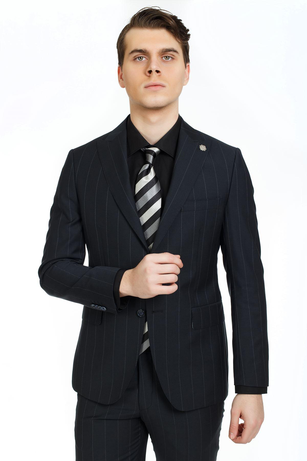 Siyah Beyaz Çizgili Slim Kalıp Yünlü Takım Elbise